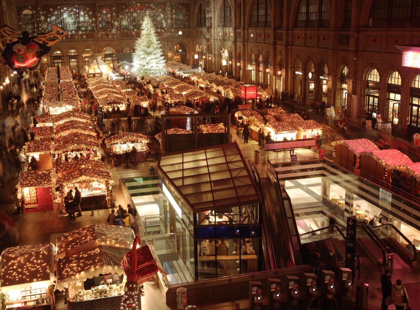 Weihnachtsmarkt Zürich.Gemeinsame Feier Von Weihnachten Und Silvester In Zürich Dank