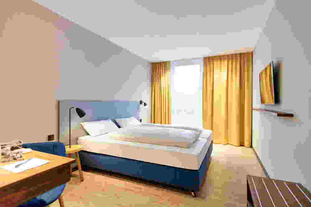 g ppingen bekommt ein designhotel im retrolook firmenpresse. Black Bedroom Furniture Sets. Home Design Ideas