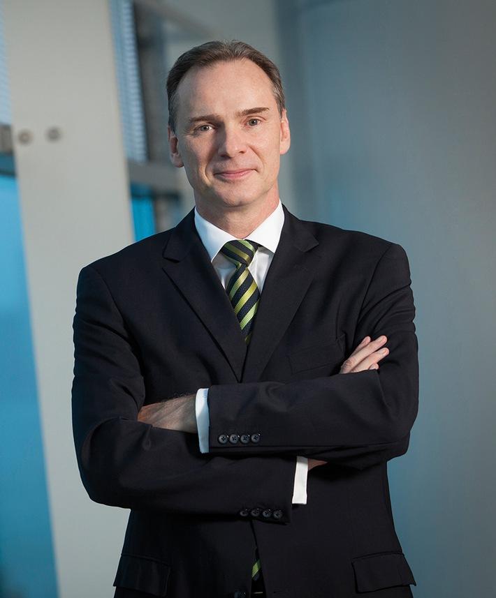 Zukunftsweisende Weichenstellung in der operativen Geschäftsführung der Messe Düsseldorf GmbH: Wolfram Diener folgt auf Joachim Schäfer (FOTO)