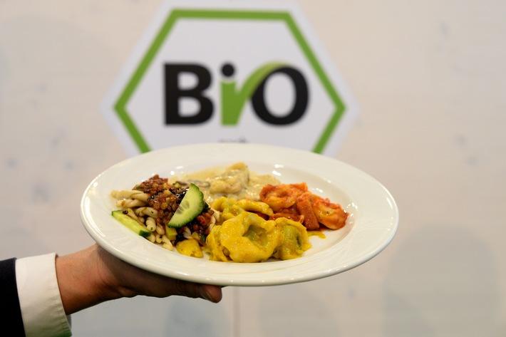 Markthalle lockt mit Streetfood und Bio (FOTO)