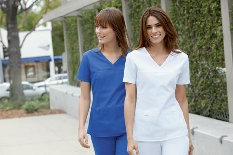 pretty nice 1c7bd a6d80 Medizinische Berufsbekleidung kann auch chic sein