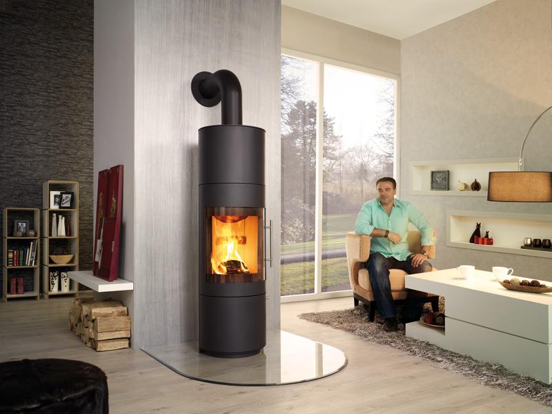 panorama feuerblick kaminofen mit gro er scheibe. Black Bedroom Furniture Sets. Home Design Ideas
